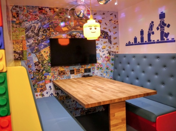DeskLodge Bristol - lego meeting area